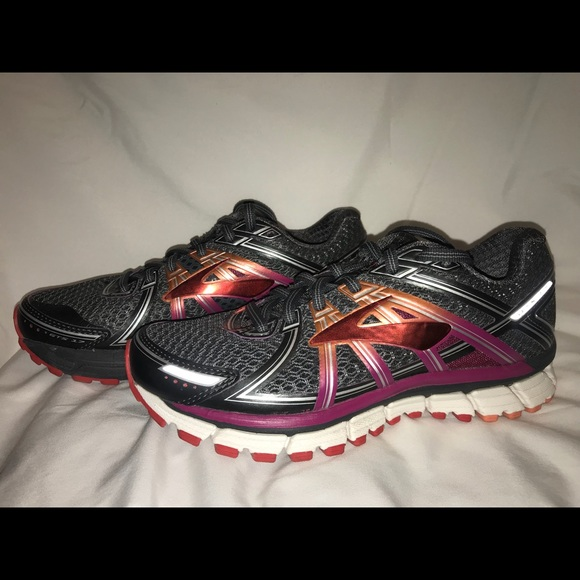 975b6e878fa Brooks Shoes - Brooks Adrenaline GTS 17 - size 6.5B